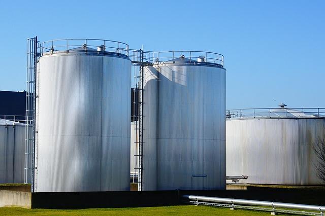 storage-tank-pollution