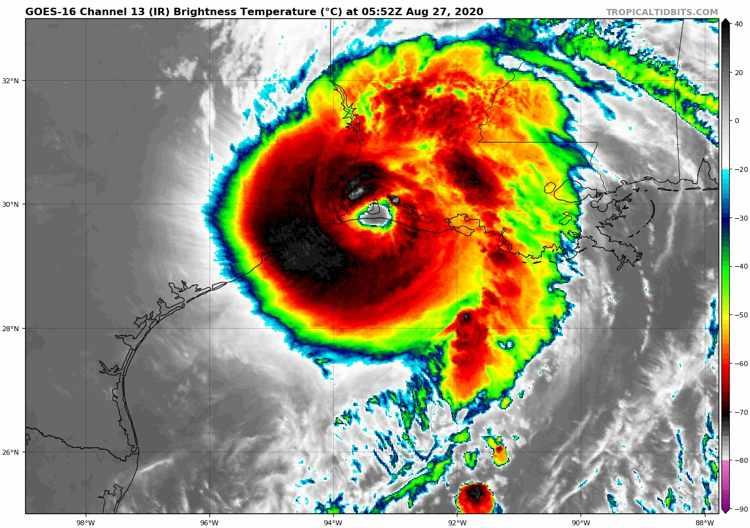 hurricane-laura-landfall-satellite